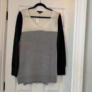 Ann Taylor Color Block High low Sweater, Sz L